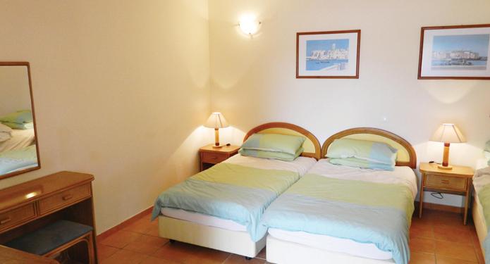 http://centrealgarve.org/wp-content/uploads/2014/07/Bedroom-2.jpg