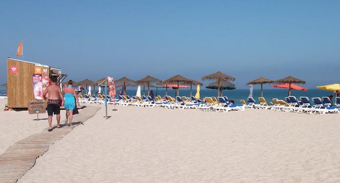 http://centrealgarve.org/wp-content/uploads/2014/10/Beach-5.jpg